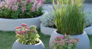 Tuintrends 2019 - groene planten met bloemen in pasteltinten en siergrassen #tui...