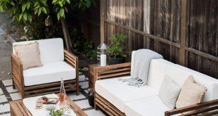 A California Outdoor Living Room (hej doll)