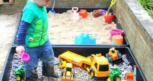 DIY Spielplatz für sensorische Spielzeuge für Kleinkinder und Kinder im Vorschulalter. Outdoor-Spielideen
